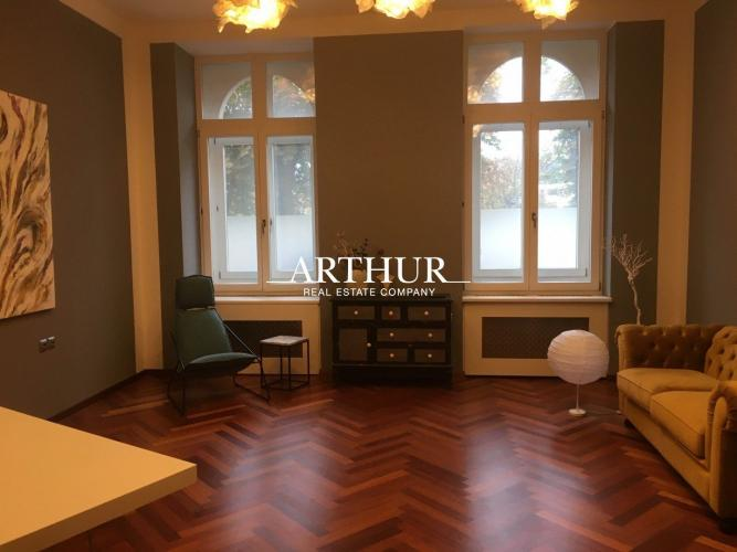 Reality ARTHUR - Predaj luxusného kancelársky priestor pri prezidentskom paláci, Štefánikova ul.