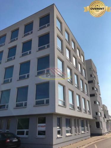 Reality Administratívna budova - 5. poschodí