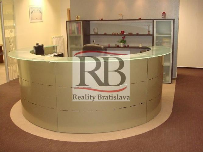 Reality Reprezentatívne kancelárie, s terasou 40m2