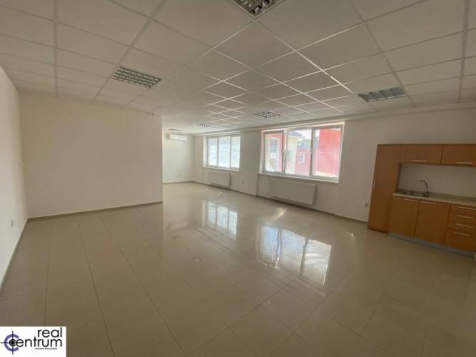 Reality Kancelária 62 m2 - Hospodárska - kuchynka, WC