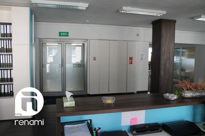 Reality Lukratívne kancelárske priestory - Bratislava - Laurinska ,pešia zóna, parkovanie, 350m2 celé p