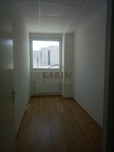 Reality Prenájom kancelária 15m2, ul. Polianky, BA IV., Dúbravka.