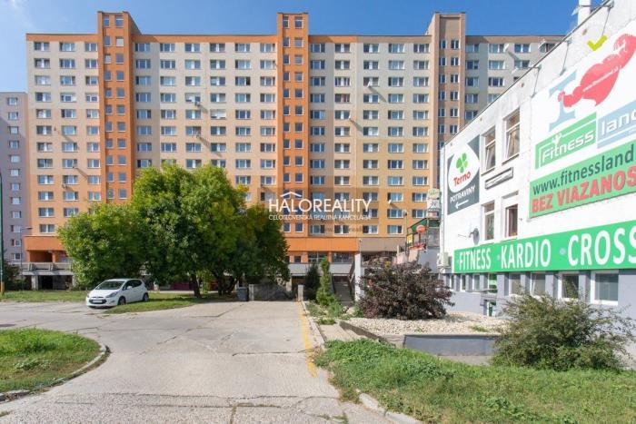Reality Predaj, nebytový priestor Bratislava Petržalka, Holíčska - EXKLUZÍVNE HALO REALITY