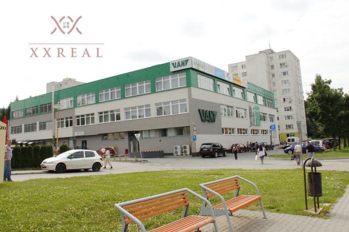 Reality PRENÁJOM - obchodné priestory v budove AB Hliny v PB