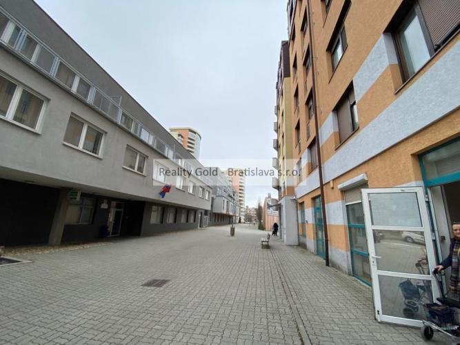Reality KANCELÁRIE - nebytový priestor na predaj - KARLOVA VES - Matejkova - 108 m2 !!