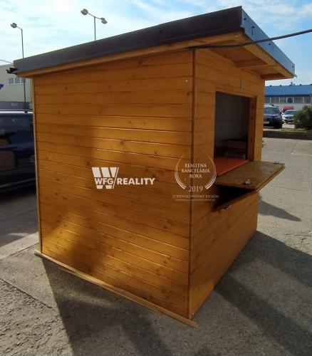 Reality Predajný drevený stánok