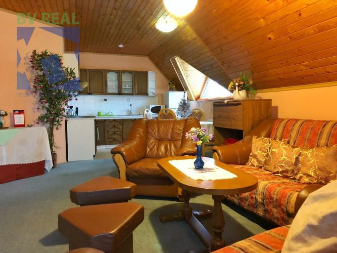 Reality BV REAL Na predaj reštaurácia s penziónom 1596 m2 Malinová okres Prievidza 70040