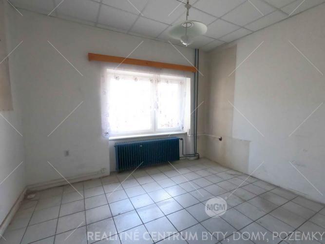 Reality Prenájom priestorov 26m2 v centre Žiliny - Národná ul.