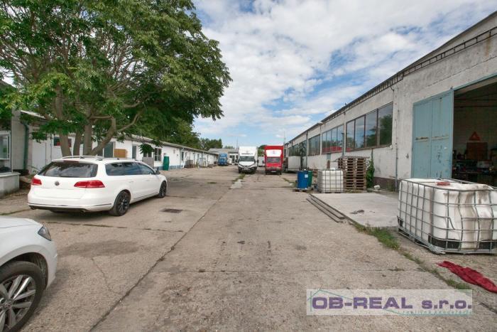 Reality Predaj areálu administr. budovy, dielní, skladov a výrobnej haly zastv. 2447m2 pozemok 4124m2