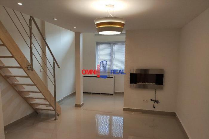 Reality Zaujímavý atypický priestor vhodný na bývanie aj podnikanie (Loft), Topolčianska ul. 55 m2