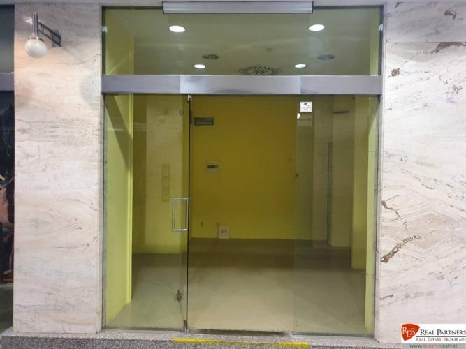 Reality REB.sk Na prenájom dva presklenné obchodné priestory 15 m2 a 12 m2
