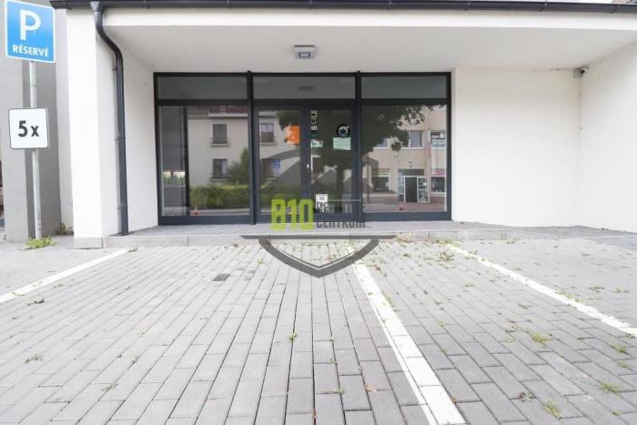 Reality NA PRENÁJOM podnikateľský priestor 150 m2, v centre Púchova!