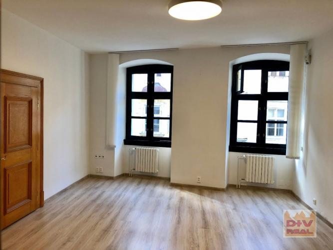 Reality 2 kancelárie, Michalská ulica,  Bratislava I, Staré Mesto, priechodné, nezariadené, na prenájo