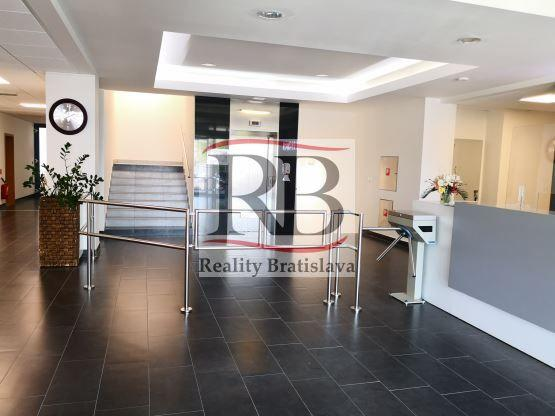 Reality Kancelárie s fitkom, 168 m2