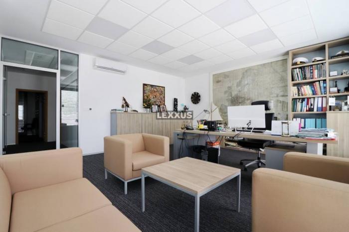 Reality LEXXUS-PRENÁJOM Moderné administratívne priestory v mestskej Vile