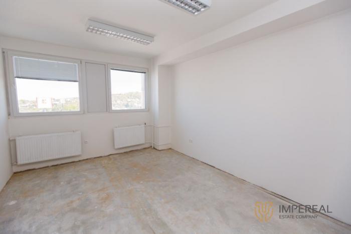 Reality IMPEREAL - prenájom - kancelársky priestor 24 m2,  5. posch., Polianky, Bratislava IV.