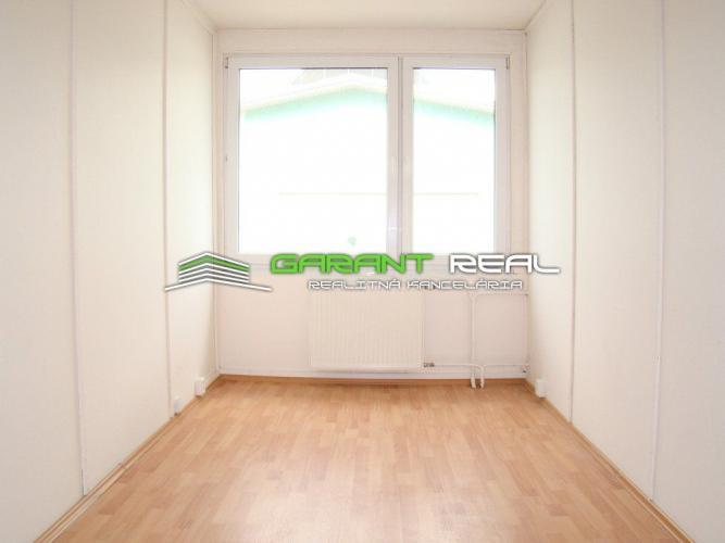 Reality GARANT REAL - prenájom kancelársky priestor, 11 m2, Budovateľská ulica, Prešov