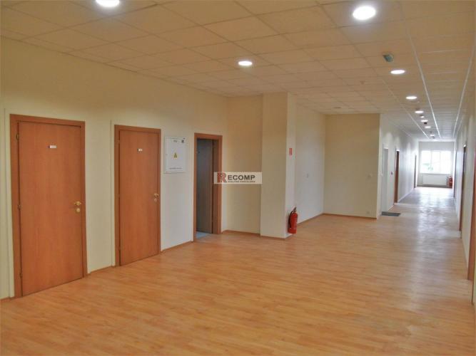 Reality Priestory v administratívno-prevádzkovej budove v Poprade 600-1800 m2
