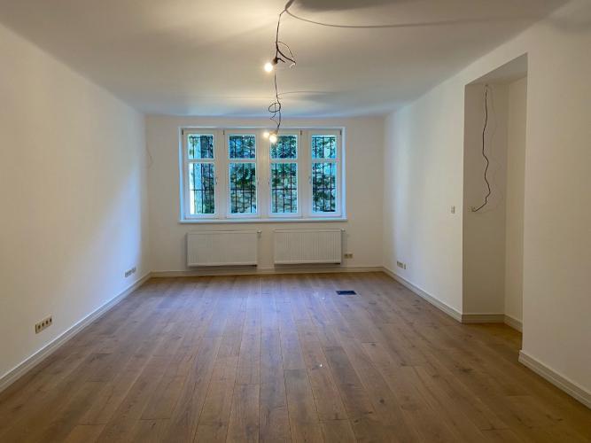 Reality PROMINENT REAL prenajme pekný dizajnový nebytový priestor na Palisádach.