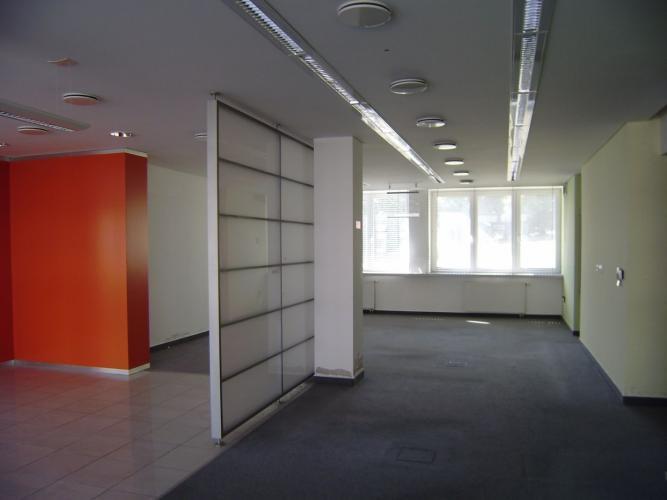 Reality PROMINENT REAL predá obchodné priestory v BA IV na ulici Ľ. Fullu.