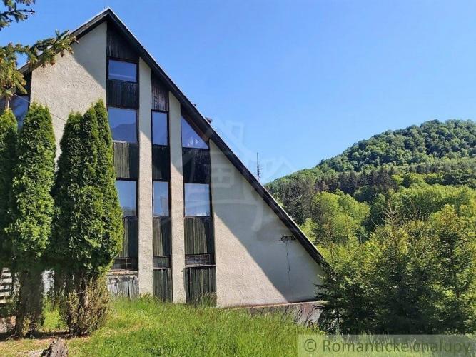 Reality Horský hotel v krásnom prírodnom prostredí Belušských Slatín na predaj
