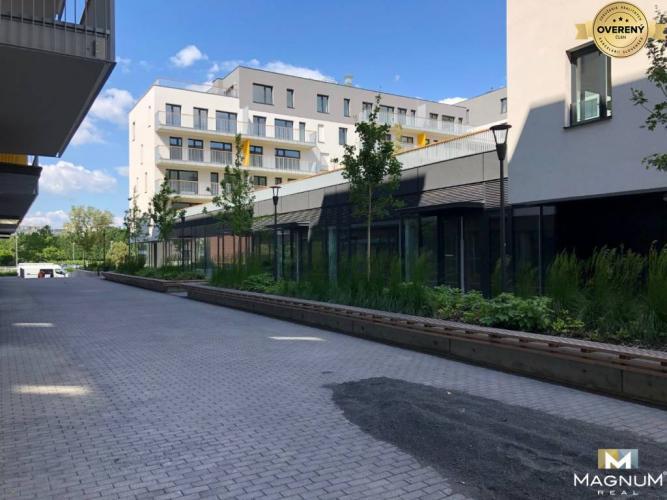 Reality Atraktívny obchodný priestor (62m2) na Nivách - Skolaudované 2020