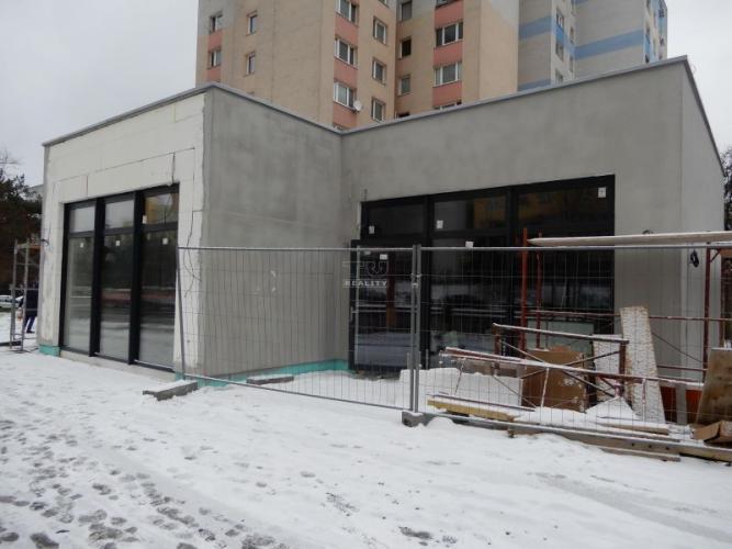Reality Výborná lokalita! Novostavba! Obchodné priestory, 107m2, Dúbravka ,Bratislava. 350 000,00 EUR