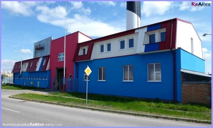 Reality Komerčná budova s pozemkom 2429 m2, parkovacími plochami, kancelárskymi priestormi, autodieľňo