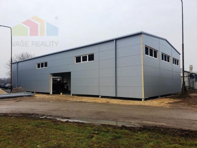Reality ** Na prenájom novovybudovaná komerčno-priemyselná hala 440 m2 v stave dokončovania - Nové Mes