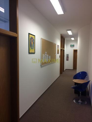Reality Administratívne priestory o výmere 194,44 m2 na Rajskej 15/A v Bratislave I.