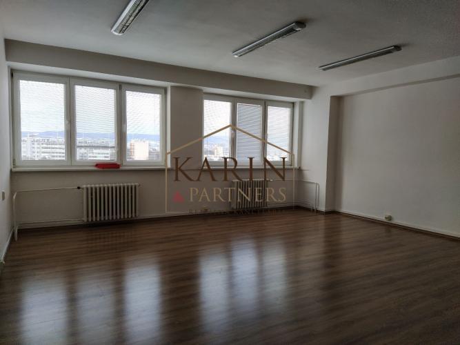 Reality LEN: 300.-€/ mesiac! Prenájom viacúčelová miestnosť s umývadlom 42m2 + parkovanie, Bulharsk