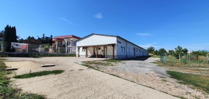 Reality Exkluzívne PNORF – výrobná hala s úž. plochou 1200 m2 a pozemkom 3369  m2, Hlohovec
