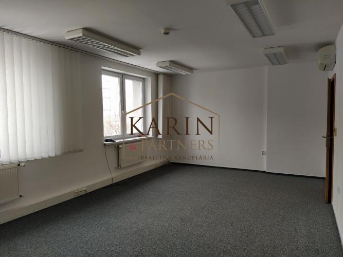 Reality Ponúkame na prenájom klimatizovanú kanceláriu 31,6m2, Metodova ul., BA II., Ružinov.