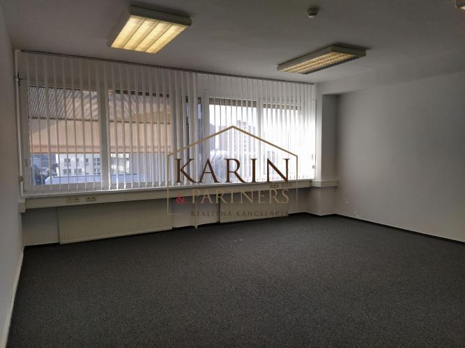 Reality Prenájom klimatizované kancelárie od 17,4m2, 25m2 do 36m2, Stromová ul., BA III., Kramáre.
