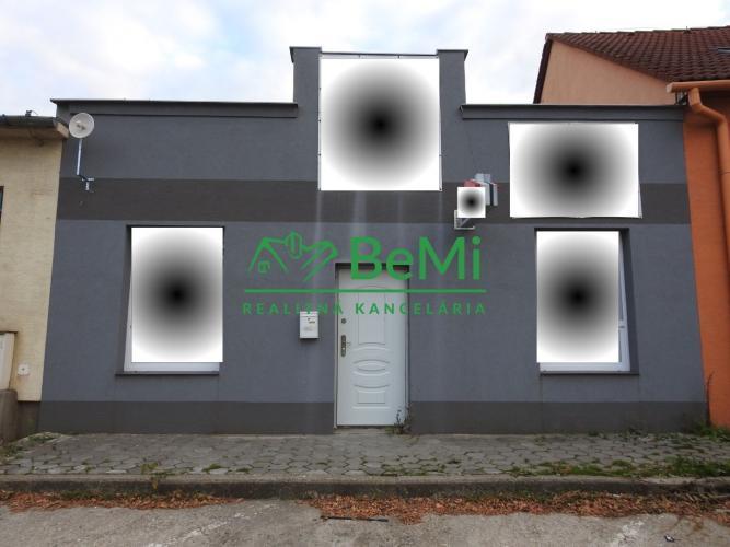 Reality Predaj komerčného priestoru v lukratívnej lokalite - Galanta (004-15-LEMA)