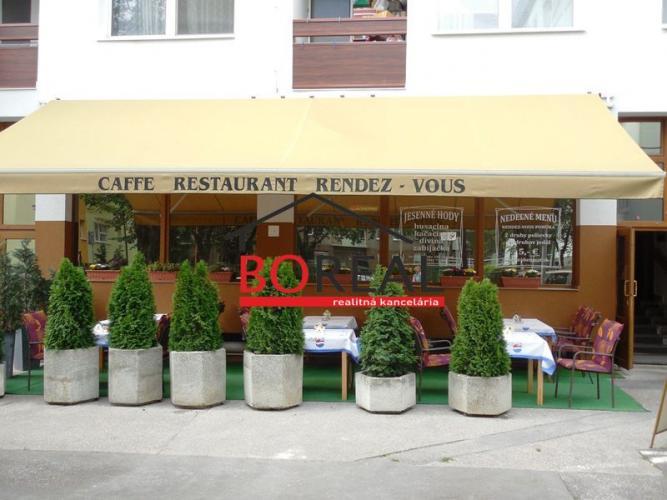 Reality ** RK BOREAL ** Zabehnutá (30r.) reštaurácia s letnou terasou v os. vlastníctve, Česká ul. - B