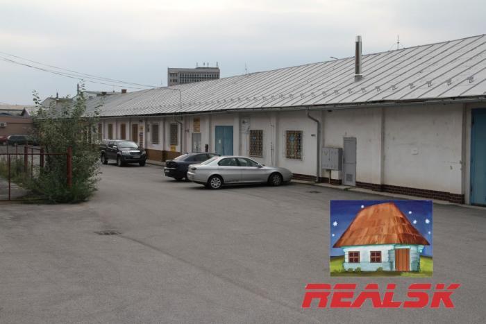 Reality Budova 740m2 pre obchod, sklad