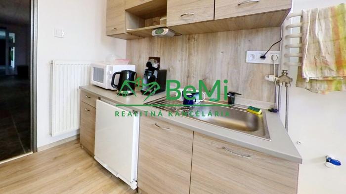 Reality BeMi reality ponúka na prenájom obchodno-kancelárke priestory vo V.Šariši