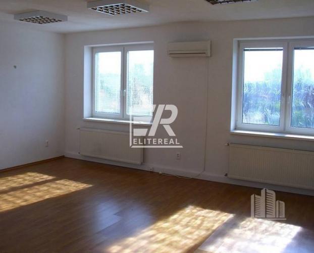 Reality Ul. SVORNOSTI - 27,84 m2 atypická kancelária 24/7 - Podunajské Biskupi