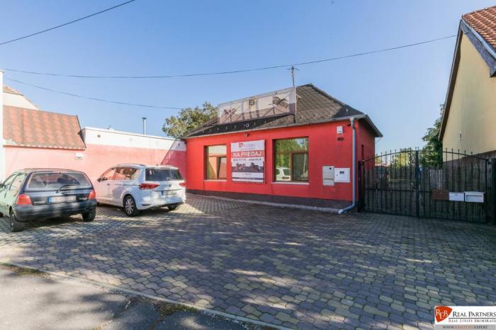 Reality REB.sk ponuka na predaj RD dom na 15 ár pozemku v Pezinok miestna časť