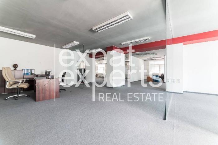 Reality Priestranné kancelárie, 308 m2, open space, parkovanie, Štrkovec