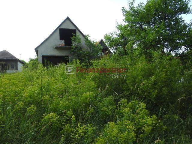 Reality Na predaj pozemok s rozostavanou chatkou v obci Farná (122-13-IJ)