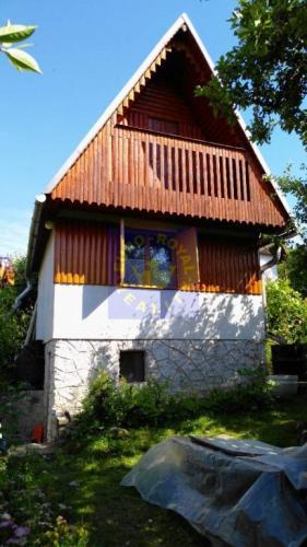 Reality Záhradná chatka v prírodnej lokalite na predaj v obci Vyhne