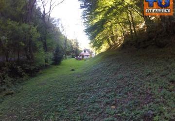 Reality Rekreačná chata medzi obcami Vyhne a Banky vzdialená od Vodného raja Vyhne Len 5 km, 939m2. CENA