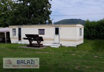 Reality Nitrianské Rudno, mobilný dom pri priehrade.