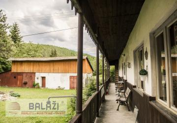 Reality VALASKÁ BELÁ chata s pozemkom 11286m2, okres Prievidza