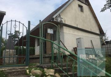 Reality Ponúkame na predaj peknú chatku v Dubnici nad Váhom - Kalvária.