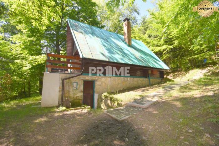 Reality Rekreačná chata v krásnom prostredí, terasa, krb, Pernek