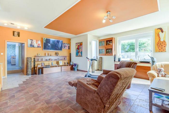 Reality 360° VP:: Dom s veľkým pozemkom vhodný na penzión, Necpaly pri Martine