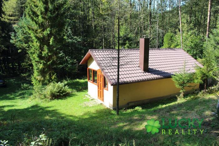 Reality Rekreačná chata v krásnom prostredí na predaj